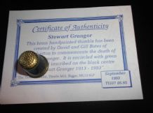 COLLECTABLE ENGRAVED PAINTED BRASS THIMBLE + CERTIFICATE STEWART GRAINGER 1993
